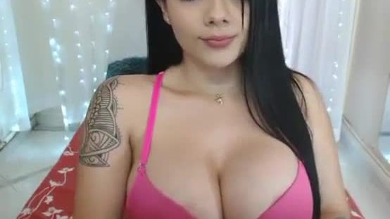 Show big boobs Girls with