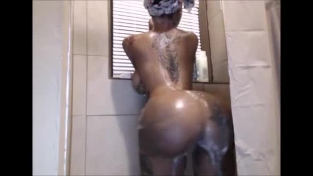Black Girl With Big Boobs And Big Ass Taking A Shower Freexcam
